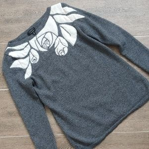 Grey scoop neck long sleeve sweater